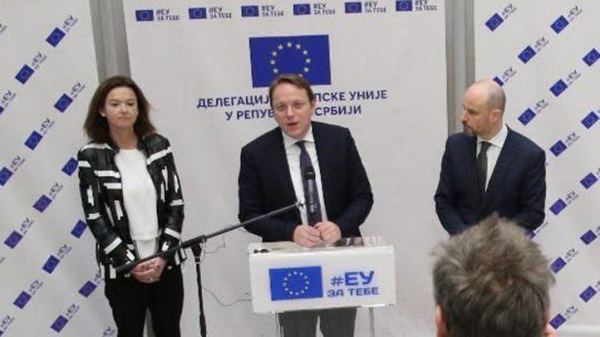 Varhelji pozvao sve političke stranke da učestvuju na izborima, da ih ne bojktuju 7
