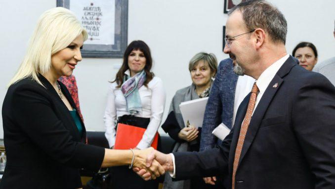 Mihajlović: Infrastruktura najbolji način povezivanja regiona 3