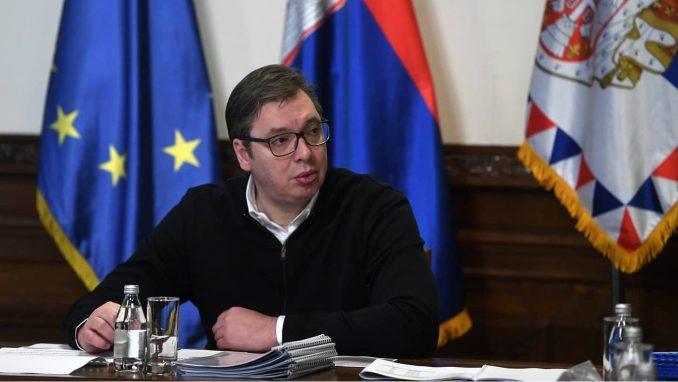 Vučić: Zaposleni u vojnoj industriji ne treba da brinu, država će im pomoći 3