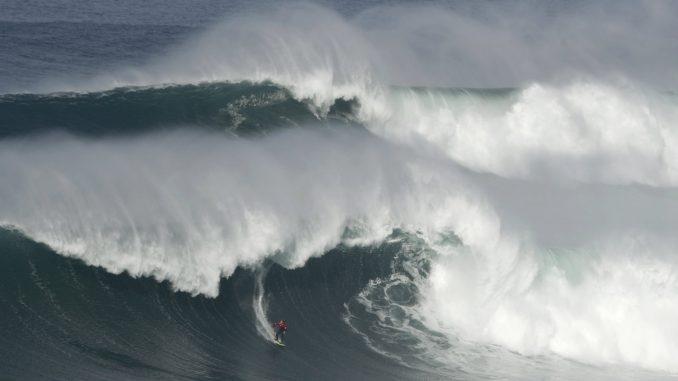 Ogromni talasi na Atlantiku, Velika Britanija se sprema za oluju i poplave 3