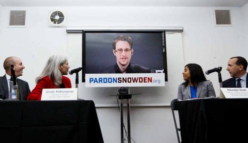Snouden pristao da više od pet miliona dolara da u korist američke vlade 1