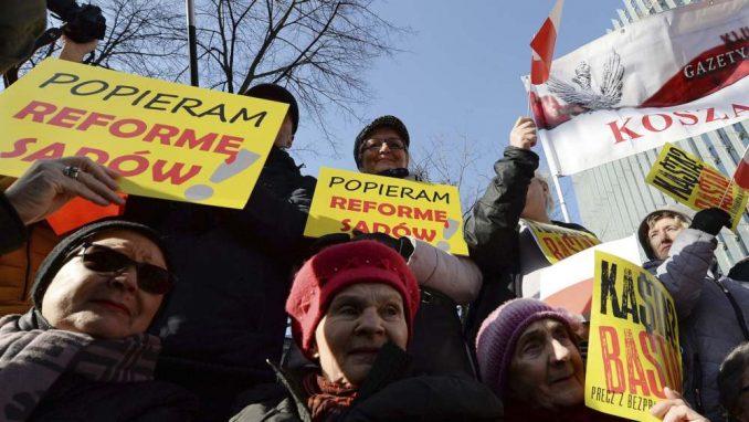 U Varšavi skup podrške vlastima posle izmene pravosudnog sistema 2