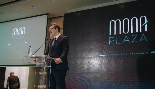 Vučić: Pravi trenutak za prodaju Komercijalne banke 8
