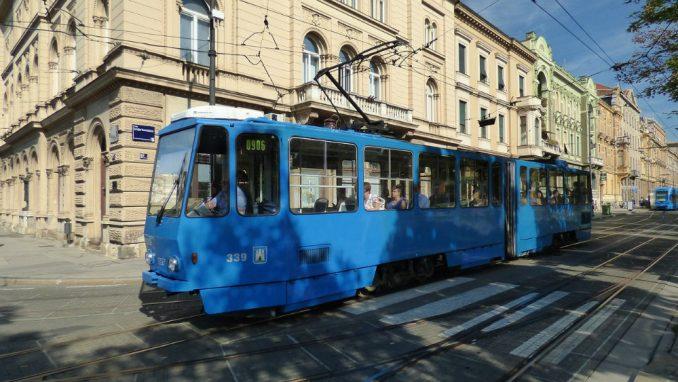 U Zagrebu skup protiv mera za suzbijanje korona virusa 3
