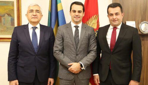 Azerbejdžan najveći investitor, veliki donator i prijatelj Crne Gore 5