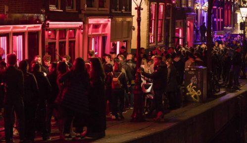 Amsterdam zabranio turističke grupe pred izlozima seksualnih radnika 3