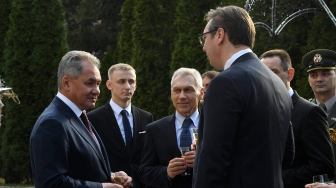 Vučić: Od Šojgua sam dobio na poklon njegove crteže i grafike 4