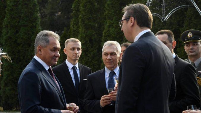 Vučić: Od Šojgua sam dobio na poklon njegove crteže i grafike 2