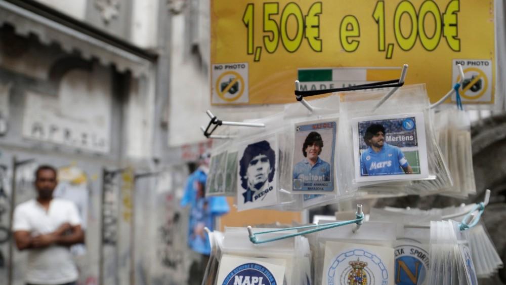 Za navijače Napolija tim je religija, a Maradona je bog (FOTO) 5