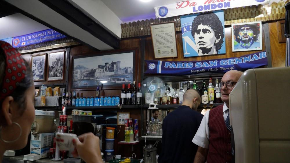 Za navijače Napolija tim je religija, a Maradona je bog (FOTO) 7