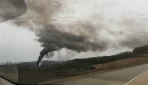 Dim na deponiji kod Mladenovca (FOTO) 3