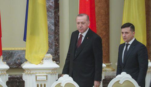 Erdogan u Kijevu kritikovao rusko pripajanje Krima 3