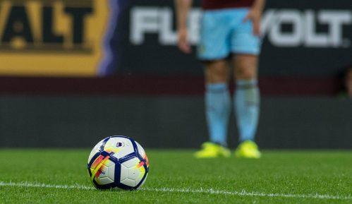 Roditelji plaćaju i do 700 funti da bi im deca prošetala stadionom sa fudbalerima 11