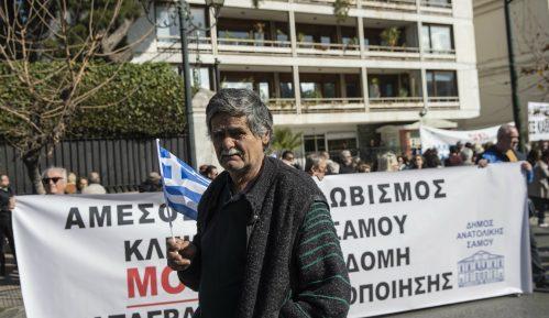 Grčka zbog protesta suspenduje plan za migrante 13