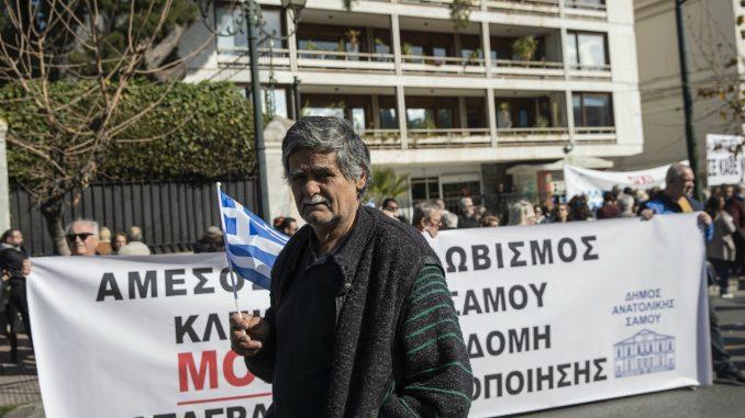 Grčka zbog protesta suspenduje plan za migrante 1