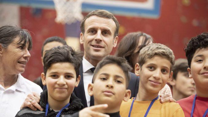 Makron se među muslimanima založio protiv 'političkog islama' i 'separatizma' 5