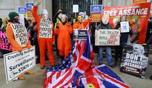 Arlem Dezir pozvao Britance da ne izruče Džulijana Asanža SAD-u 48
