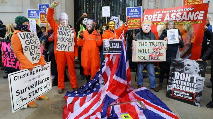 Arlem Dezir pozvao Britance da ne izruče Džulijana Asanža SAD-u 2