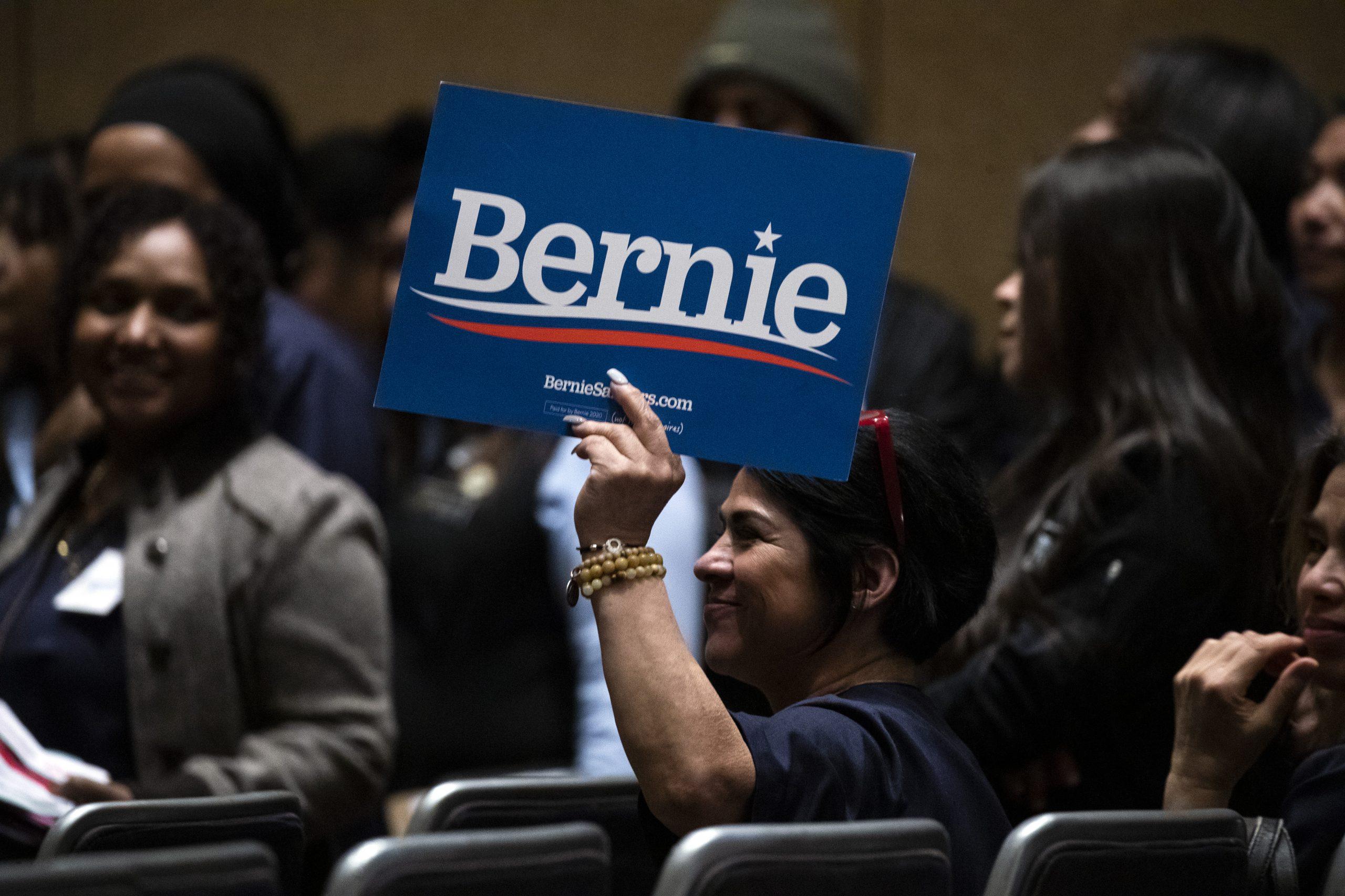 Berni Sanders podržao Bajdena u trci za predsednika SAD 1