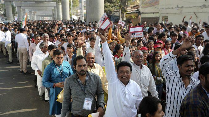 Trampu priređen topao doček u Indiji 4