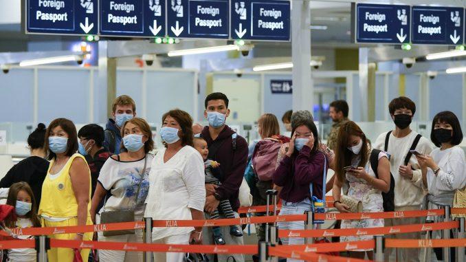 Broj umrlih od korona virusa u Kini porastao na 490 4