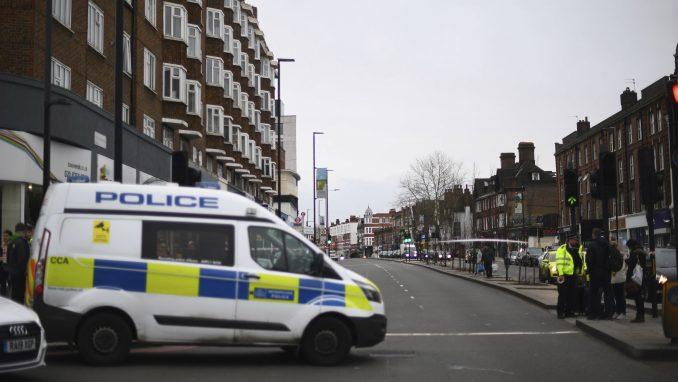 Londonska policija uhapsila desetine demonstranata protiv restriktivnih mera 3
