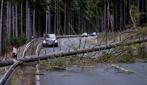 Oluja se iz Evrope pomera ka istoku, remeti saobraćaj i zatvara škole 3
