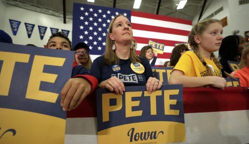 Demokratska stranka SAD objaviće večeras polovinu rezultata unutarpartijskog glasanja 12