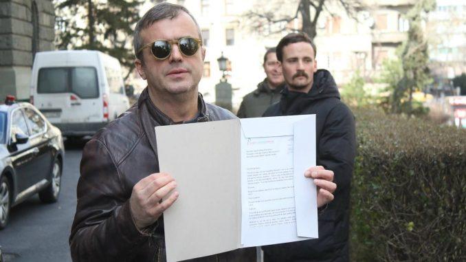 Trifunović predao pismo za poslanike SNS: Glasali ste protiv dece 2