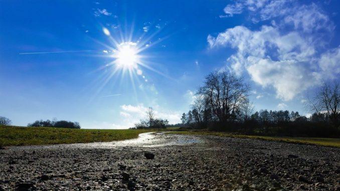 Sutra malo toplije, pre podne pretežno sunčano, posle podne oblačno 1