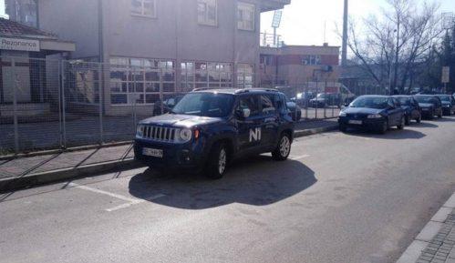 Oštećen službeni automobil N1 televizije u Nišu 11