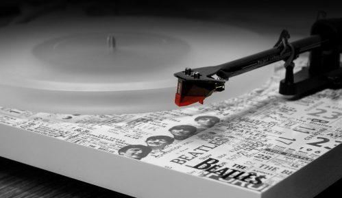 Prodaja ploča u Britaniji preti da prestigne CD-ove prvi put od 1987. godine 11