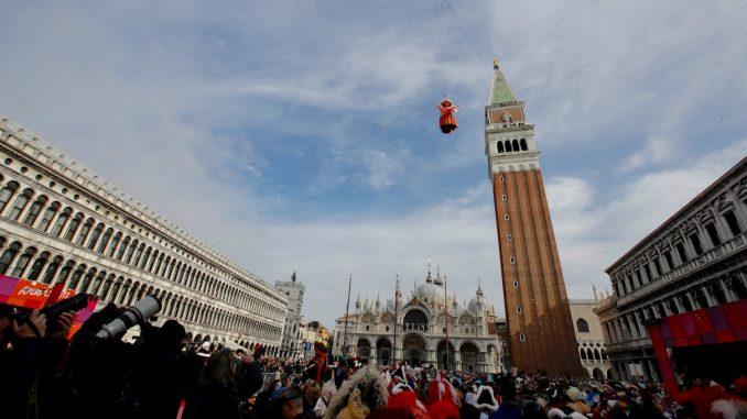 Zbog korona virusa prekinut Karneval u Veneciji 1