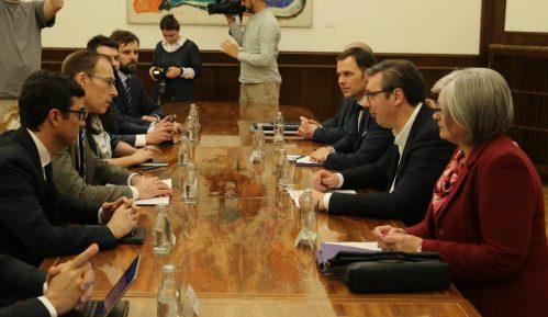 Vučić sa Misijom MMF-a o makroekonomskim kretanjima i reformama u Srbiji 13