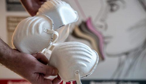 Ljubazni robot u Japanu podseća ljude da nose masku 1