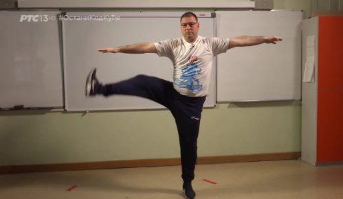 Nastavnik fizičkog sa kojim vežba Srbija: Vežbajte, ne živite virtuelan život 11