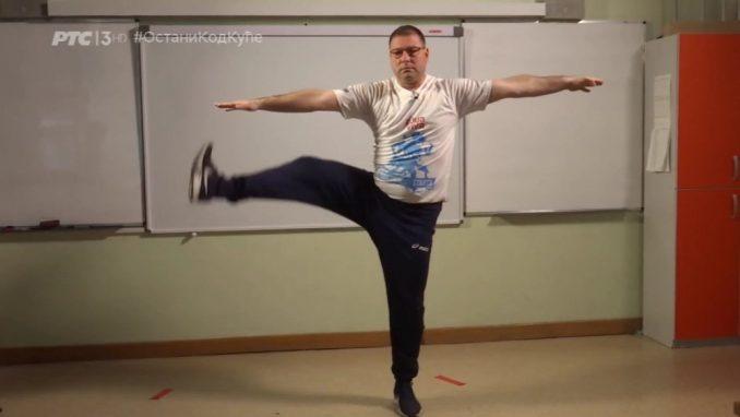 Nastavnik fizičkog sa kojim vežba Srbija: Vežbajte, ne živite virtuelan život 3