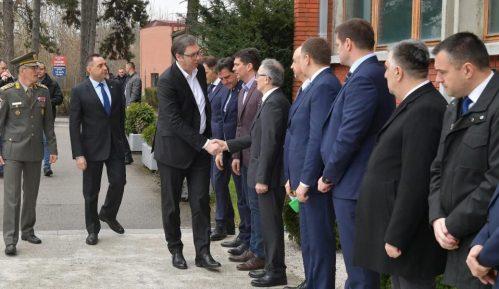 Vučić abolira bivše rukovodstvo od odgovornosti 8