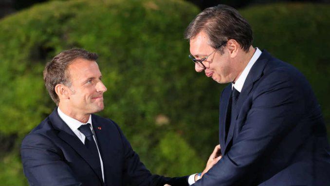 Vučić uputio čestitku Makronu povodom 14. jula 3