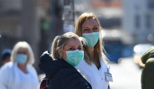 """Grupa """"Mladi entuzijazam"""" danas u 13 časova deli zaštitne maske u Novom Pazaru 8"""