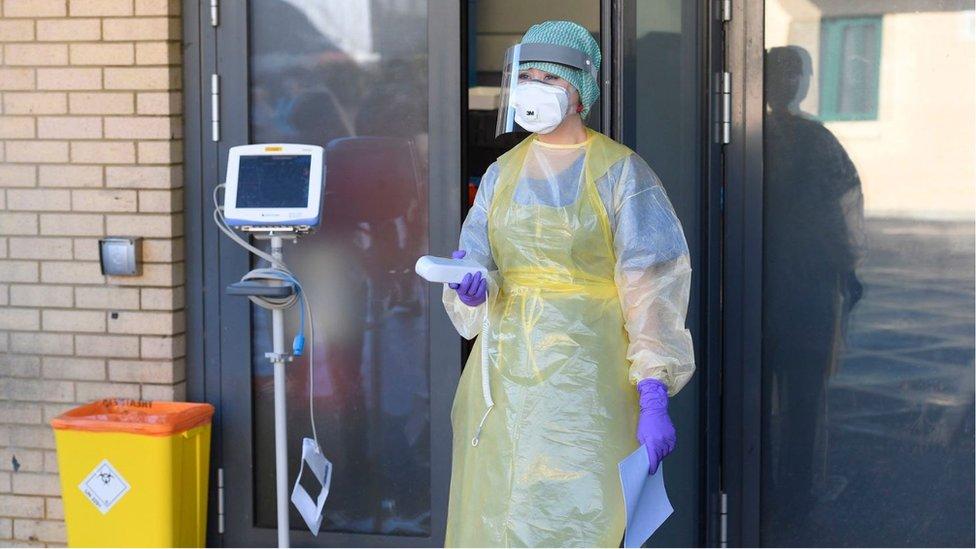 Zbog korona virusa u Crnoj Gori pod nadzor je stavljeno više od 1.000 ljudi