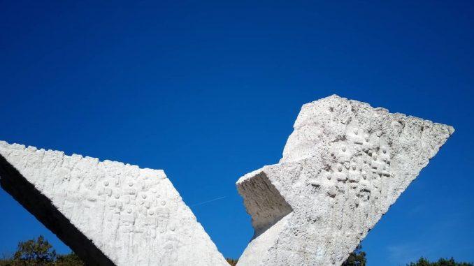 Šumarice: Kako treba da se ponašamo kod spomenika žrtvama rata 2