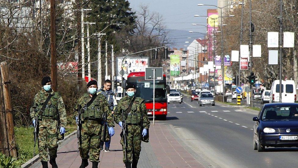 Vojska na ulicama kontroliše ko se pridržava mera države