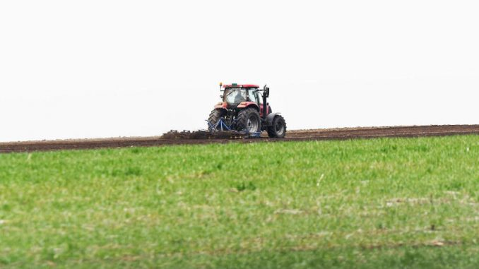 Pokret za preokret: Vlada da ukine odluku o smanjenju podsticaja za poljoprivrednike 1