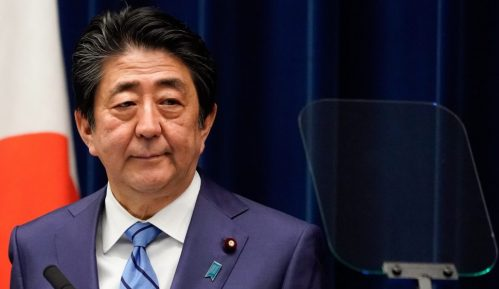 Šinzo Abe: Uporan premijer 13