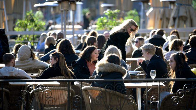 Ugostitelji u Čačku protestovali zbog ograničenja rada u vanrednoj situaciji 1