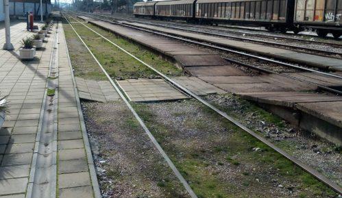 Protest građana Niša pored pruge na kojoj je poginula devojka 2