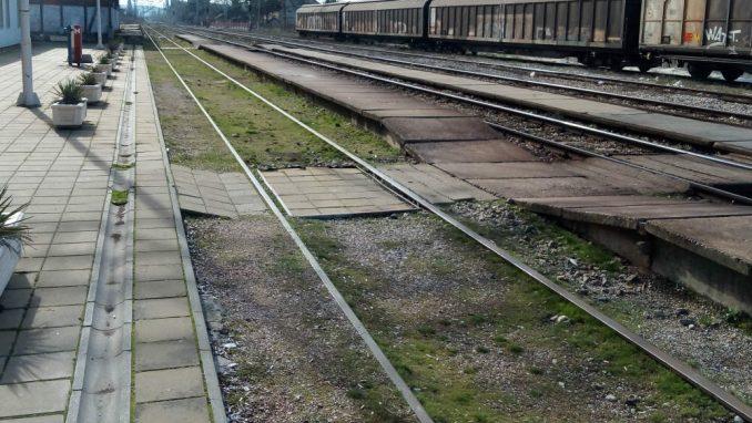 Protest građana Niša pored pruge na kojoj je poginula devojka 1
