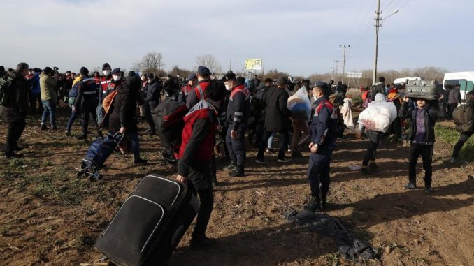 Francuska će prihvatiti 500 migranata iz grčkog kampa Morija 14