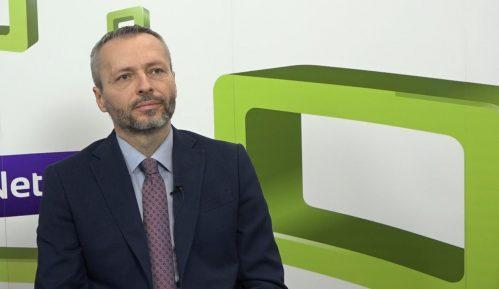 Olenik: Vučić i sahranu patrijarha koristi za podizanje sopstvenog rejtinga 12